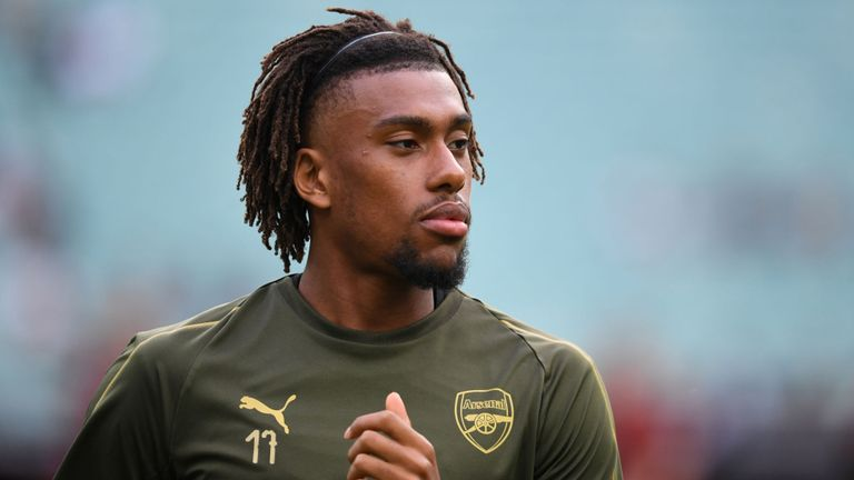 Alex Iwobi joins Everton in Deadline Day deal from Arsenal